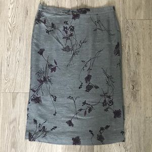 NWOT Gianni Floral Grey Pencil Skirt